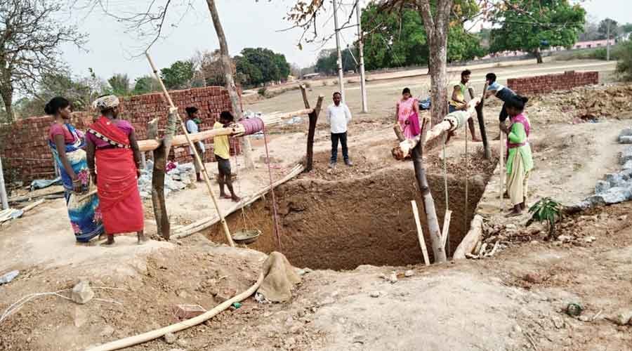 NREGA wage delay for workers