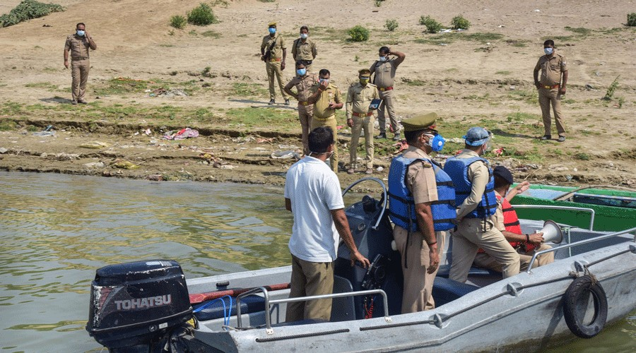 Centre to UP, Bihar: Stop dumping corpses in Ganga
