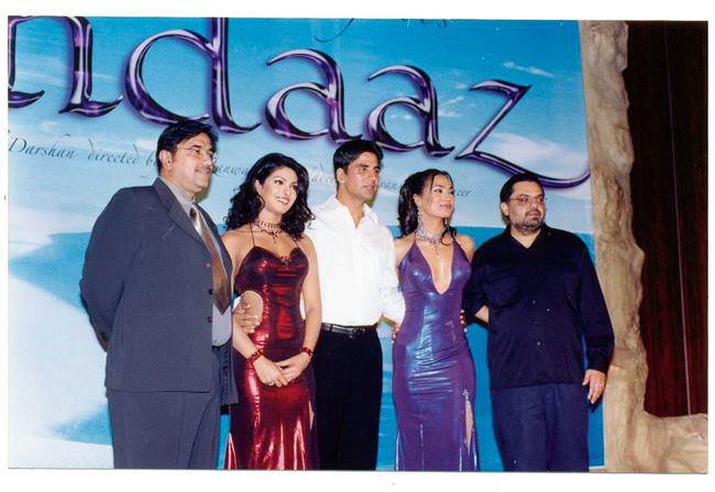 Suneel Darshan (extreme left) with Priyanka Chopra, Akshay Kumar, Lara Dutta and director Raj Kanwar at the music launch of Andaaz