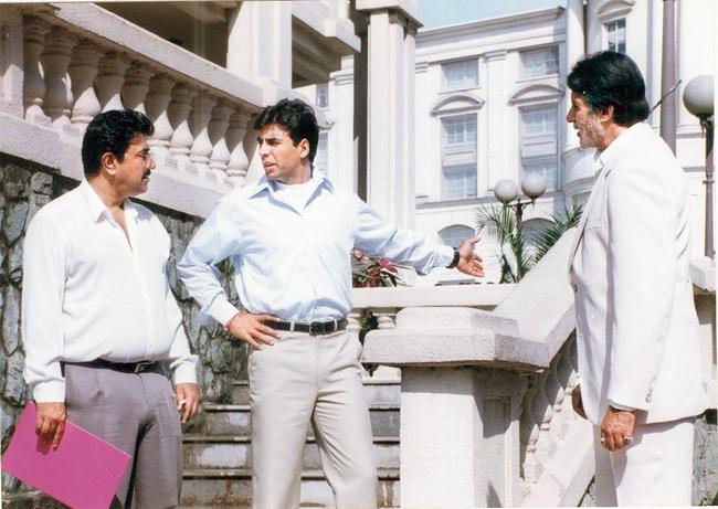 Suneel Darshan (left) directs Akshay Kumar and Amitabh Bachchan in Ek Rishtaa