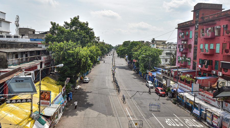 Gariahat market area looks almost deserted during the COVID-induced lockdown, in Calcutta on Wednesday.
