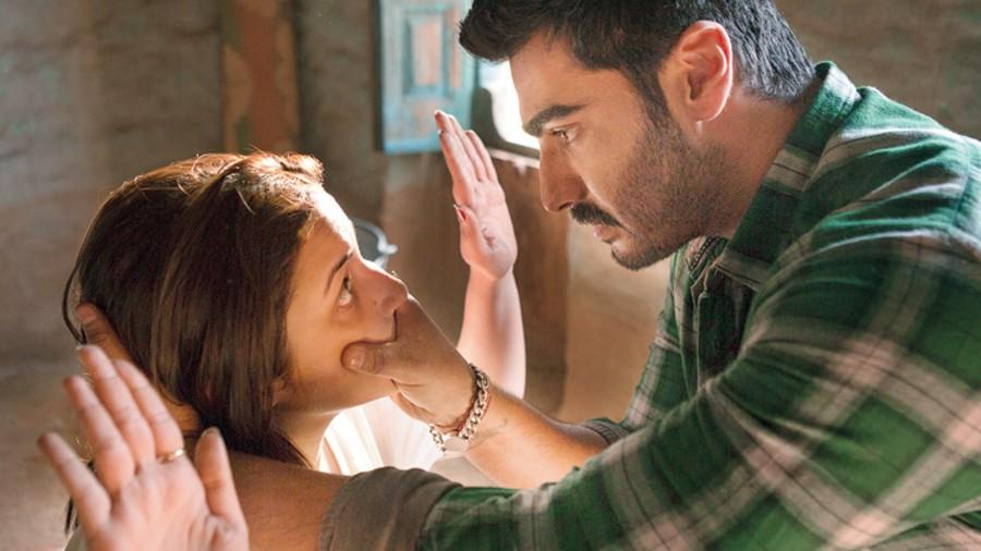 Parineeti Chopra and Arjun Kapoor in Sandeep Aur Pinky Faraar