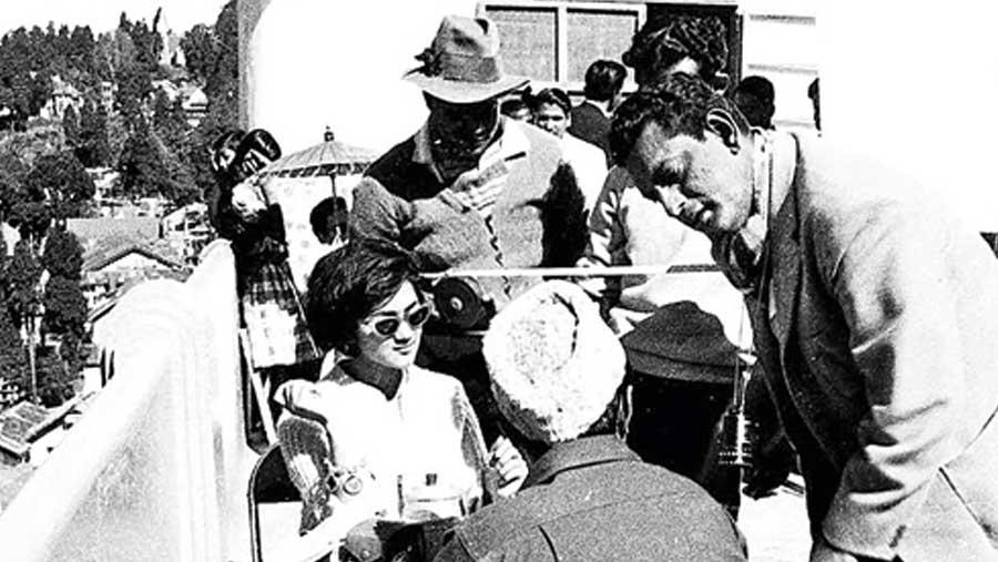 Satyajit Ray on the sets of  'Kanchenjungha'
