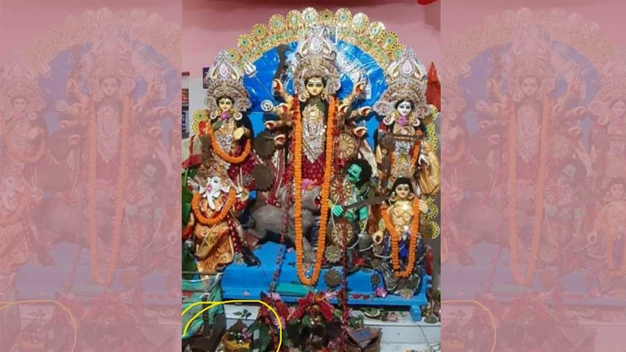 A recent idol of 'Dakshinpara Shiber Kota Chatterjee barir pujo'