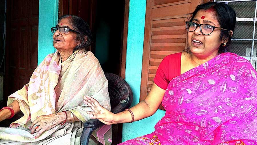 Bharati and Sraboni Chatterjee talk about their puja