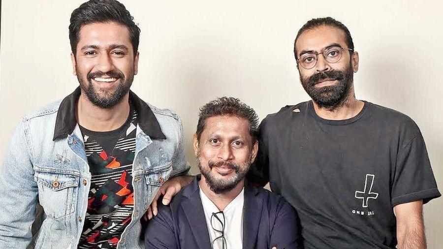 Shoojit Sircar (centre) with Vicky Kaushal and producer Ronnie Lahiri