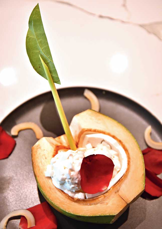 Finish your meal with tender coconut ice cream with coconut jelly, all homemade, served in a tender coconut shell and topped with rose petals.