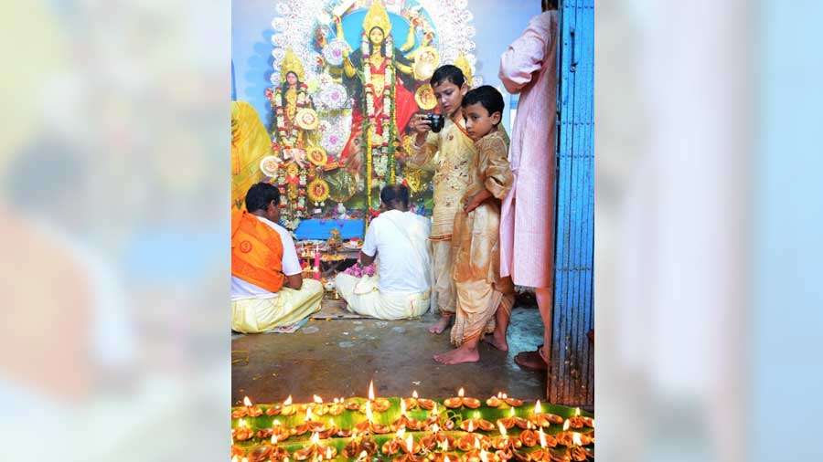 With residents of the village participating in the ceremonies just like family members, it has become the de facto puja of Belkulai village