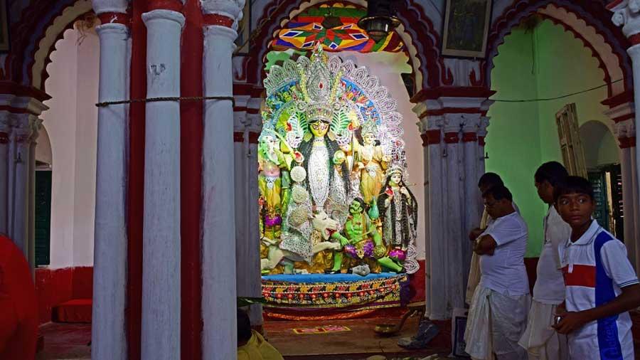 A Durga idol inside Dasghara Deb Biswas family's 'thakur dalan'