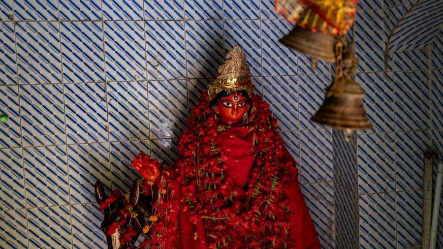 The idol of Shitala draws the second most devotees in the temple after the main idol of Durga