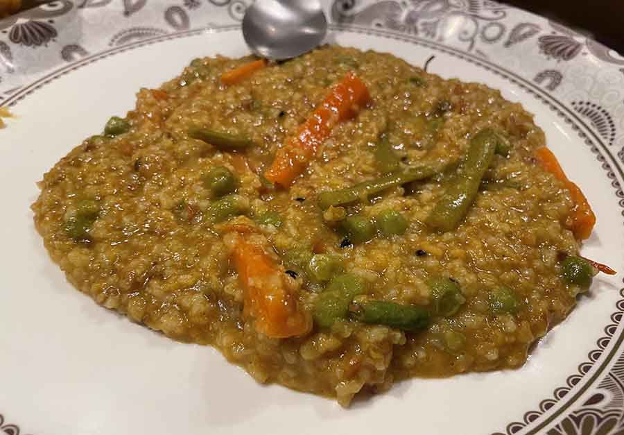 KHICHURI, LABRA AND BEGUNI BHOG AT PARA'R PANDAL: No matter what we recommend, you probably won't skip the Ashtami-r bhog from your neighbourhood pandal (and you shouldn't). We all agree that there are few things that are as satisfying as khichuri and beguni!