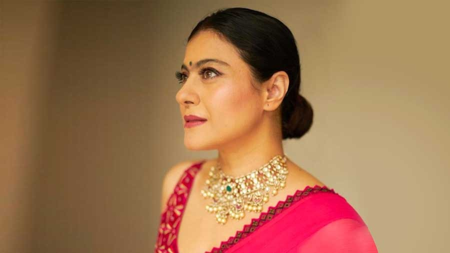 Donning a hot pink sari and riveting Rajasthani jewellery, Kajol was a sight for sore eyes