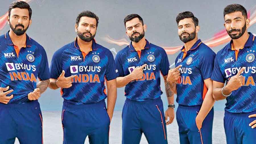 (From left) KL Rahul, Rohit Sharma, Virat Kohli, Ravindra Jadeja and Jasprit Bumrah sport India's T20 World Cup  jersey which was unveiled by the BCCI on Wednesday. The patterns on the new jersey are inspired by the billion cheers of fans, the BCCI tweeted, and is therefore called the 'Billion Cheers Jersey'.