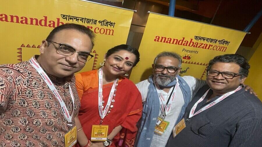 Anandabazar.com Shera Sorbojonin contest jury members (left to right) Arindam Sil, June Maliah, Anindya Jana and Aniruddha Roy Chowdhury