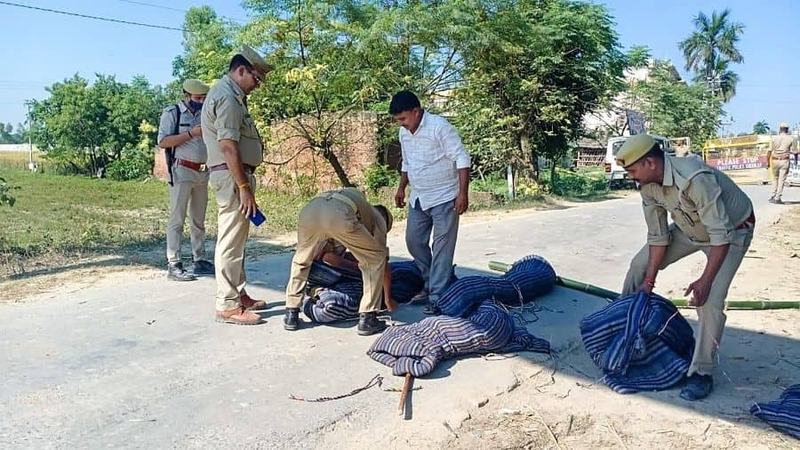 SIT recreates the crime scene at Tikona village in Lakhmimpur on Thursday.
