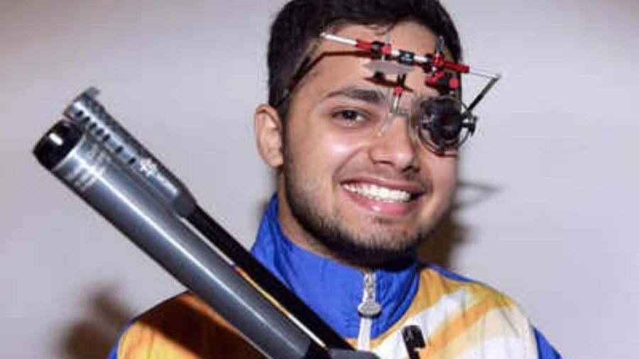 Manish Narwal clinches Gold