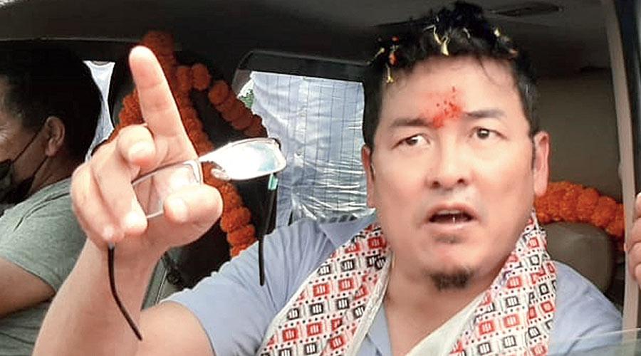 Ajoy Edwards back in Darjeeling, keen on 'new party'