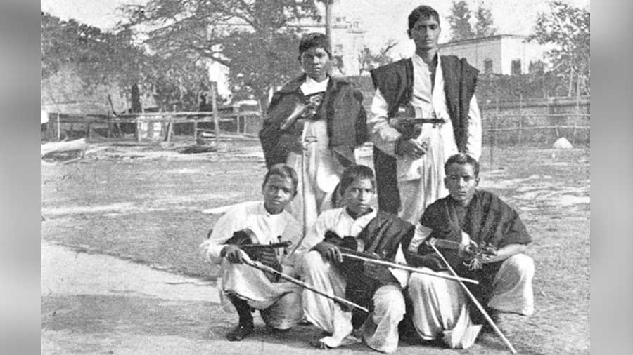 Pupils of the Oxford Mission violin class
