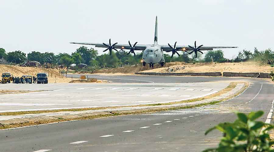 Indian Air Force aircraft lands on national highway in Rajasthan