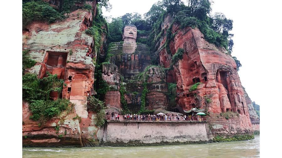 SUTRADHAR: Snapshots from Aron's album — the Buddha in Lehsan, China