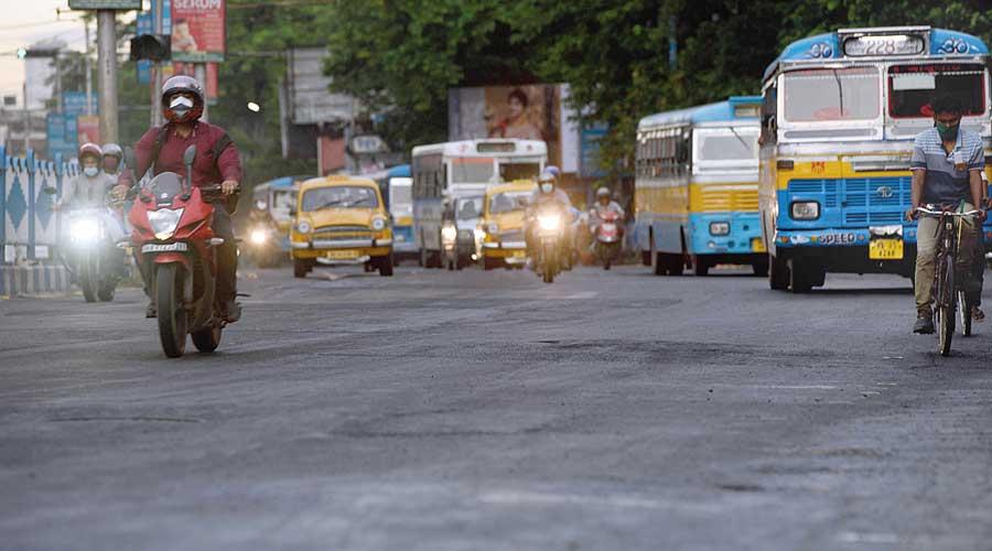 Hazra-Tollygunge road repair on the cards
