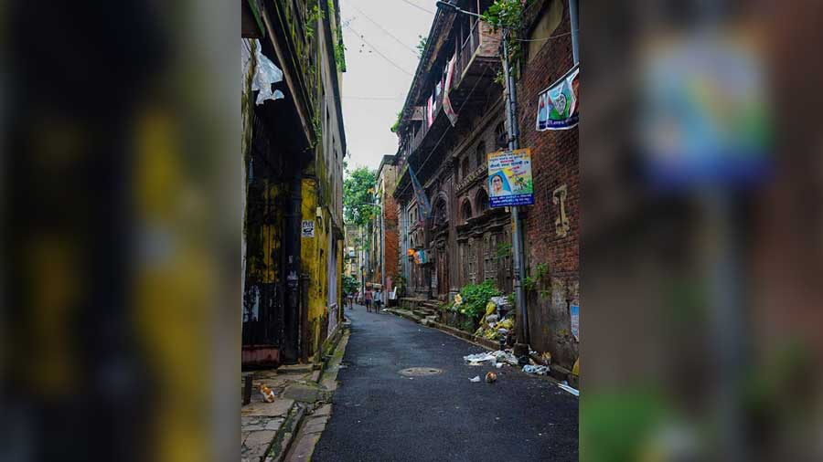 """I love to walk, and that love has taken me through many roads and streets of Kolkata…"" — Partha Sarathi Basu"