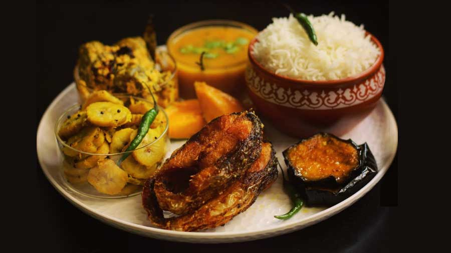 Food What's on your plate this rainy day... Bhetki Paturi, Chitol Maachher Muitha or Tel Koi?