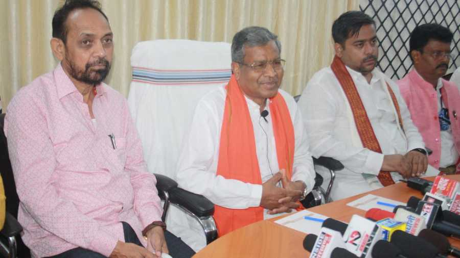 Babulal Marandi (second from left) at the media meet in Jamshedpur on Tuesday.