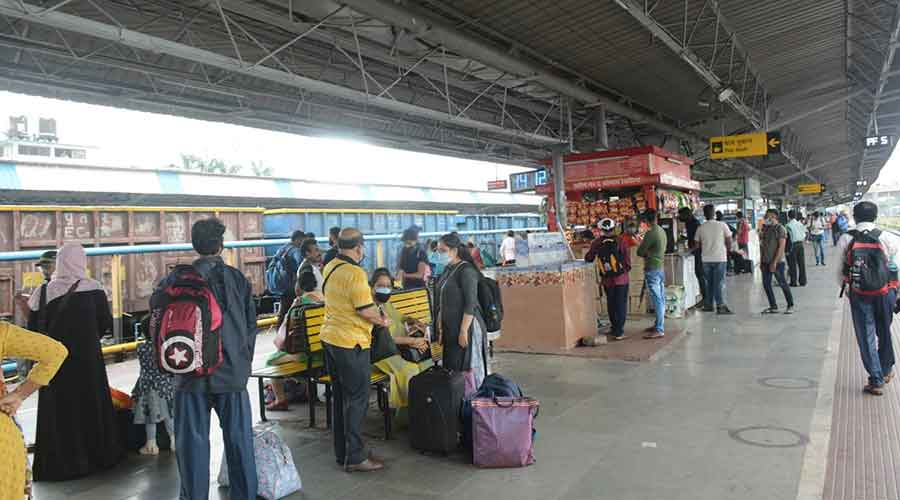 Passengers at  Tatanagar railway station on Wednesday.