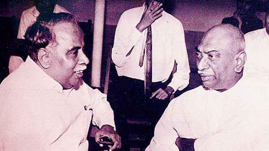 C.N. Annadurai (left) in conversation with K. Kamaraj