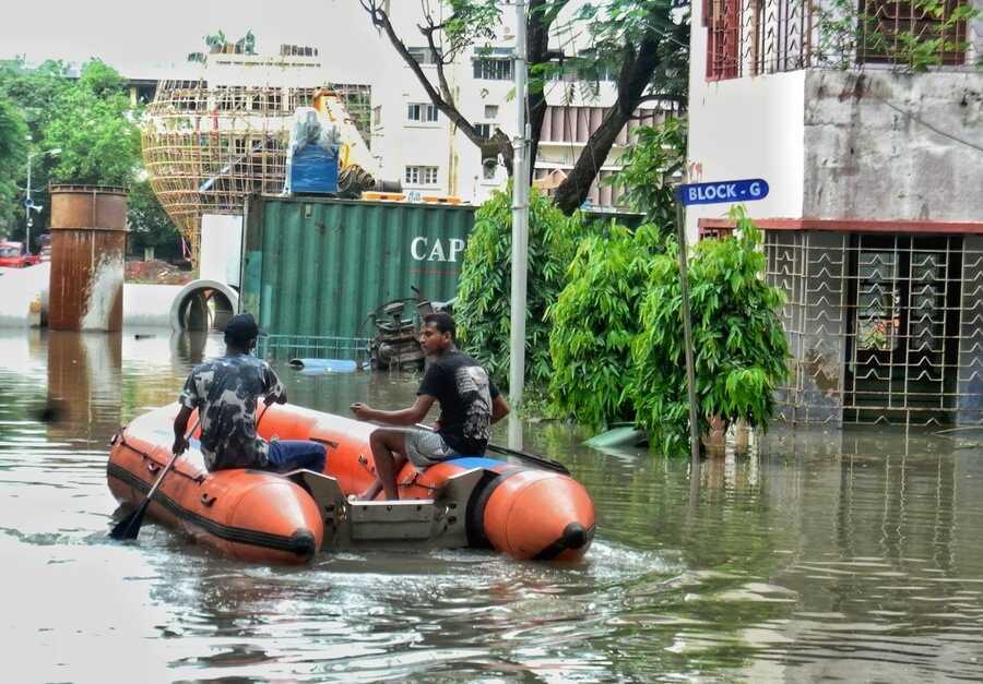 A boat plies at Ekbalpur in south Kolkata on Tuesday afternoon
