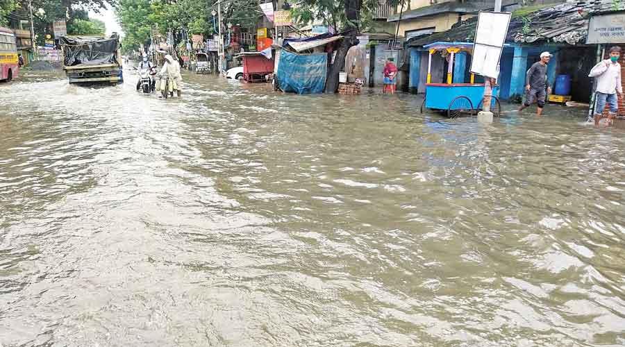 Canal full, Dum Dum Road floods