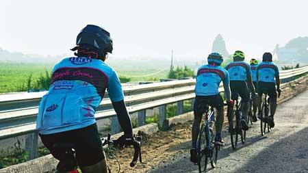 Cyclists reach Odisha