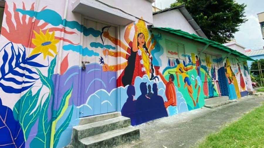 Mukherjee took up the task of beautifying a dilapidated clubhouse in his Kankurgachhi neighbourhood.