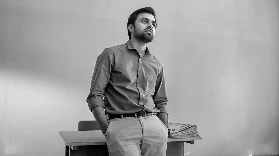 Jitendra Kumar aka Jeetu as Jeetu Bhaiya in Kota Factory Season 2