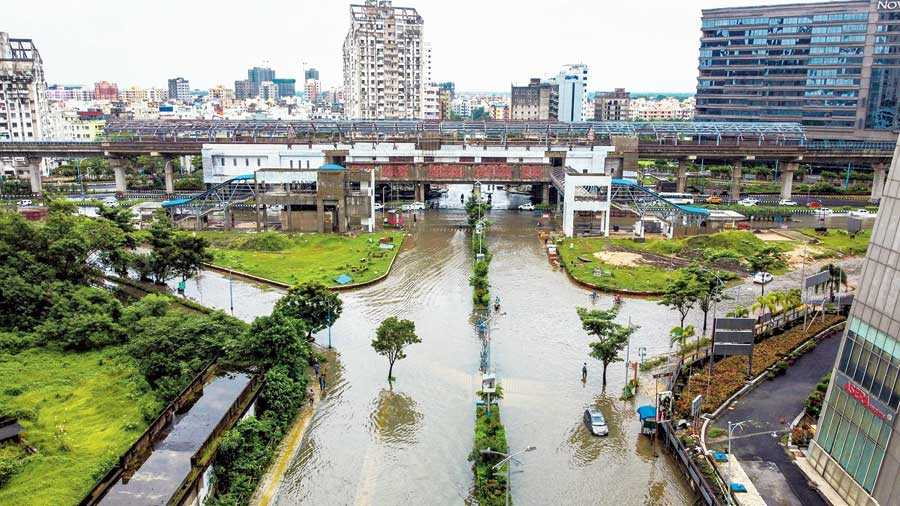 New Town turns into water world,  residents pour out their woes