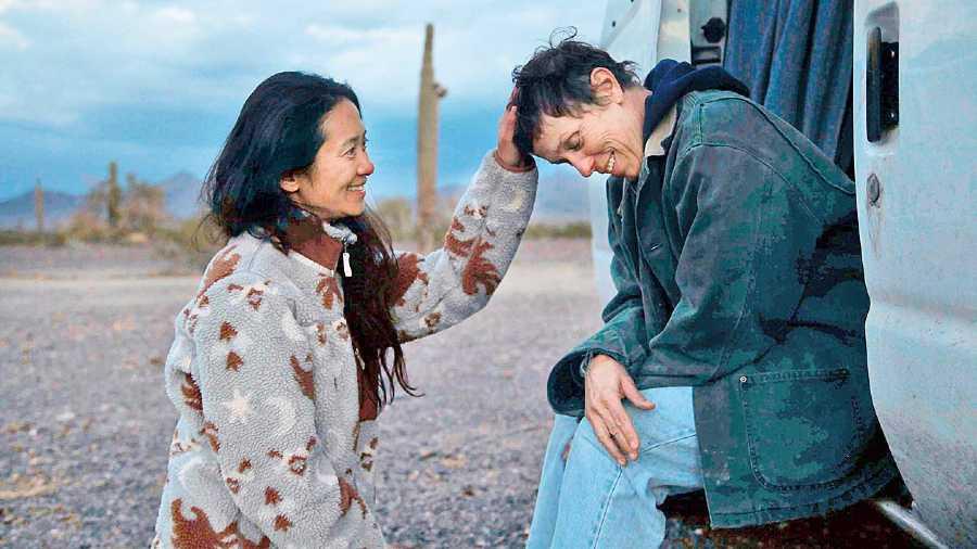 Chloe Zhao and Frances McDormand on the sets of Nomadland