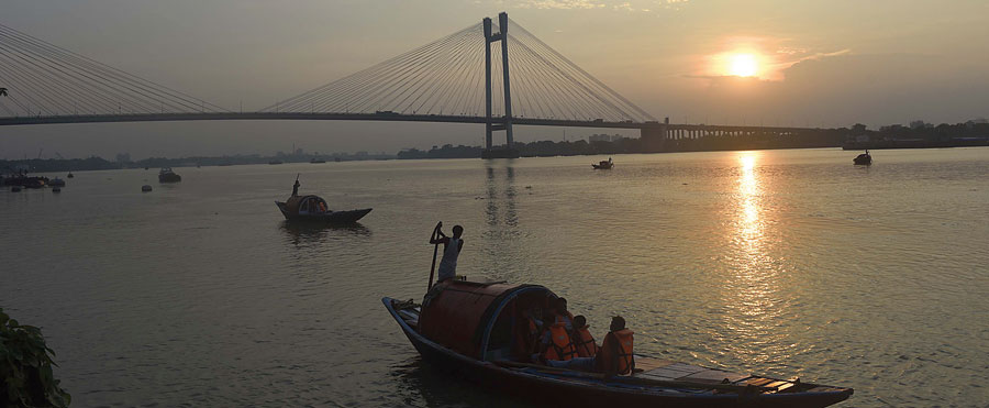 Sunset over the Hooghly on Saturday evening
