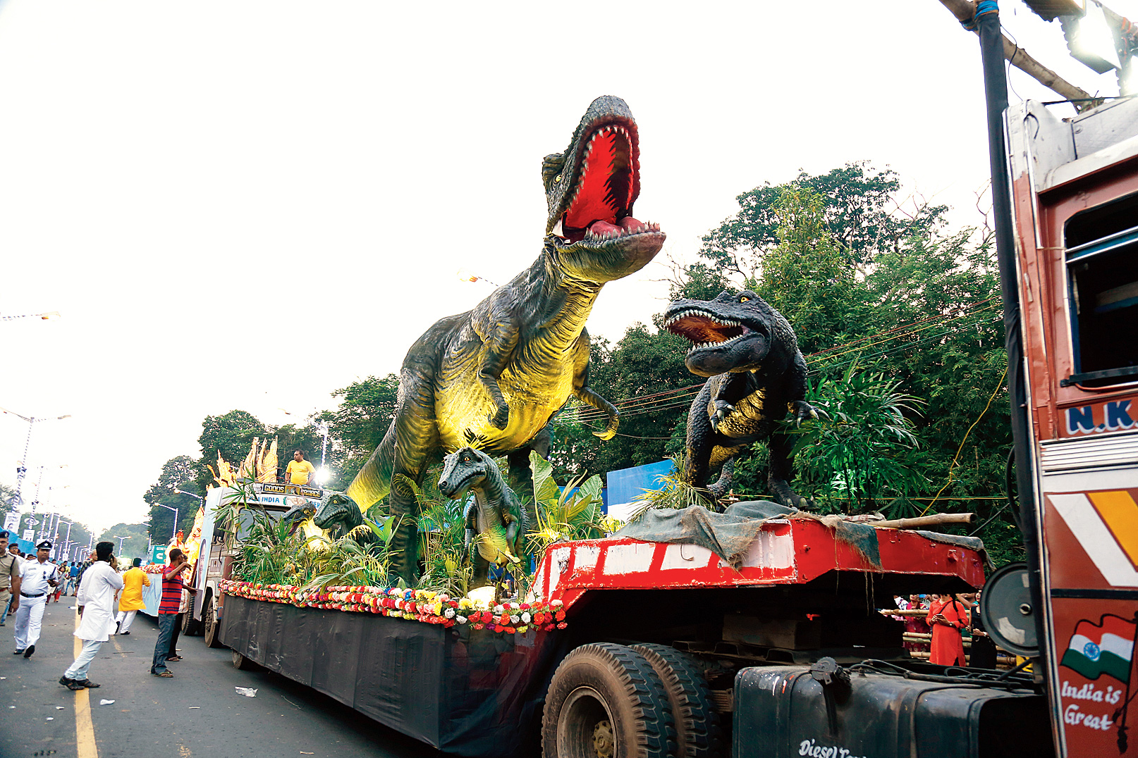 The tableau with the dinosaurs.