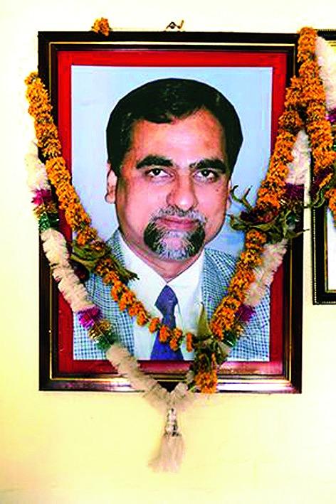 Glare on Shah case judge death