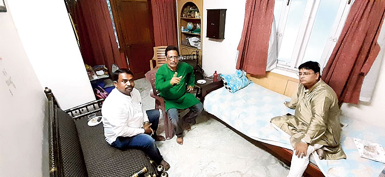 (From left) Nirmal Dutta, Tapas Chatterjee and Birendranath Biswas at Sudhir Saha's house on Monday