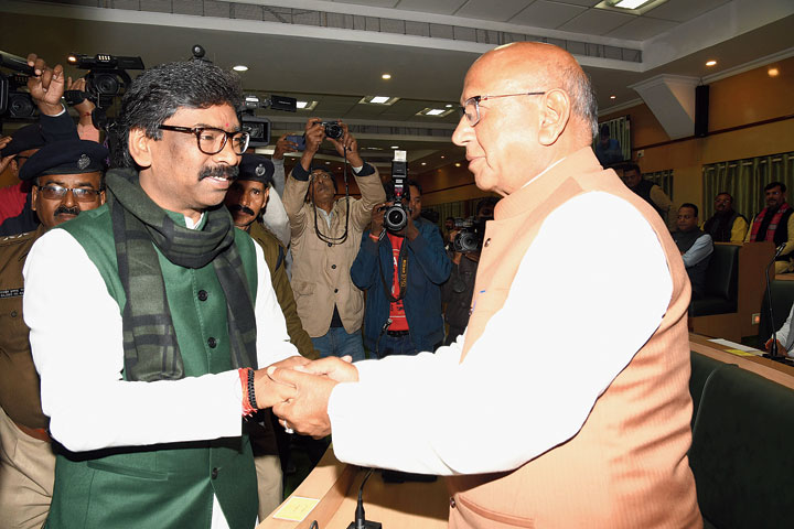 Chief minister Hemant Soren shakes hands with Jamshedpur (East) MLA Saryu Roy during the inaugural session of Assembly in Ranchi on Monday.