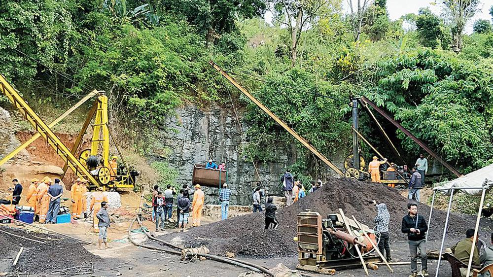 Rescue work in progress in Meghalaya's East Jaiñtia Hills