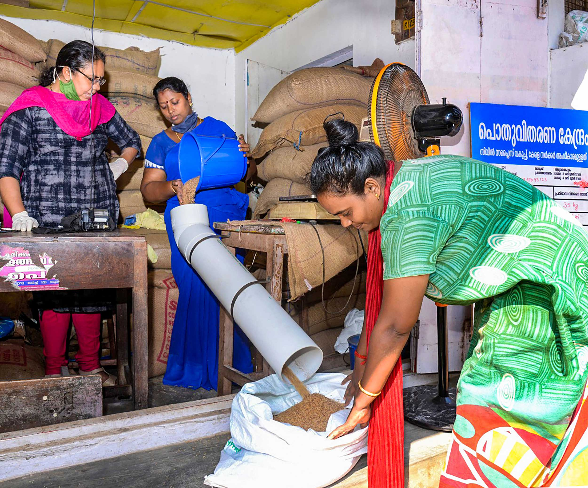 Vendors provide ration in Thiruvananthapuram on Friday.