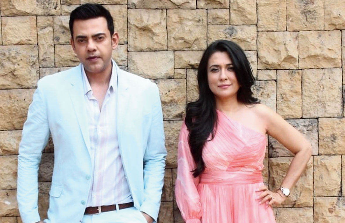 Former fellow VJs Mini Mathur and Cyrus Sahukar come together in Mind the Malhotras