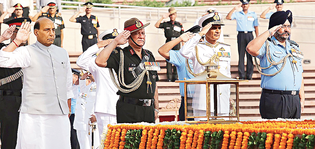 Rajnath Singh along with three Services' Chiefs pays homage to martyrs at National War Memorial ahead of taking charge as Union defence minister, in New Delhi on Saturday, June 1, 2019.
