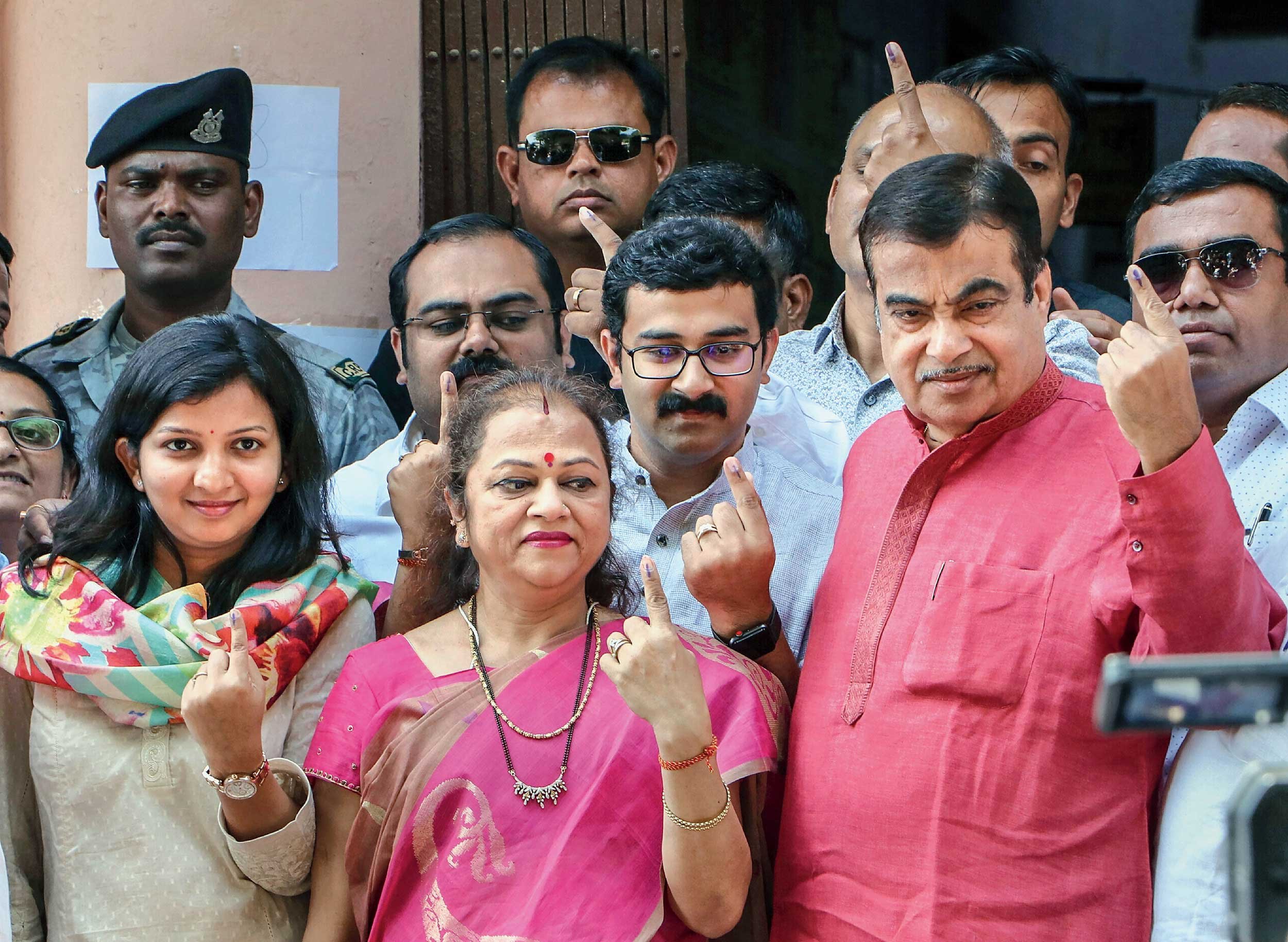 Union minister and BJP Nagpur candidate Nitin Gadkari with his family members.