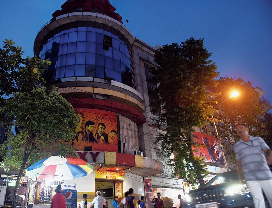 Roxy cinema back with Calcutta Municipal Corporation