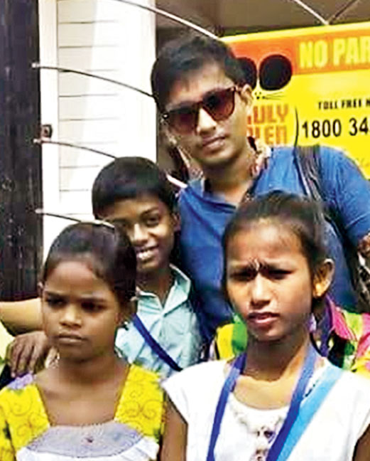 Soham Paul goes pandal-hopping with street children