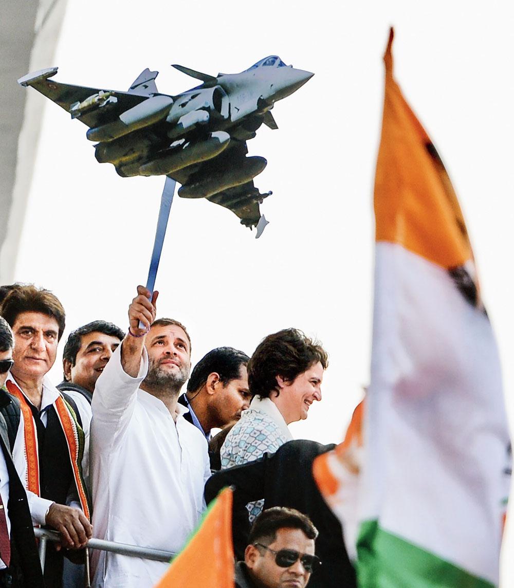 'Nervous' govt nixed graft clauses: Congress